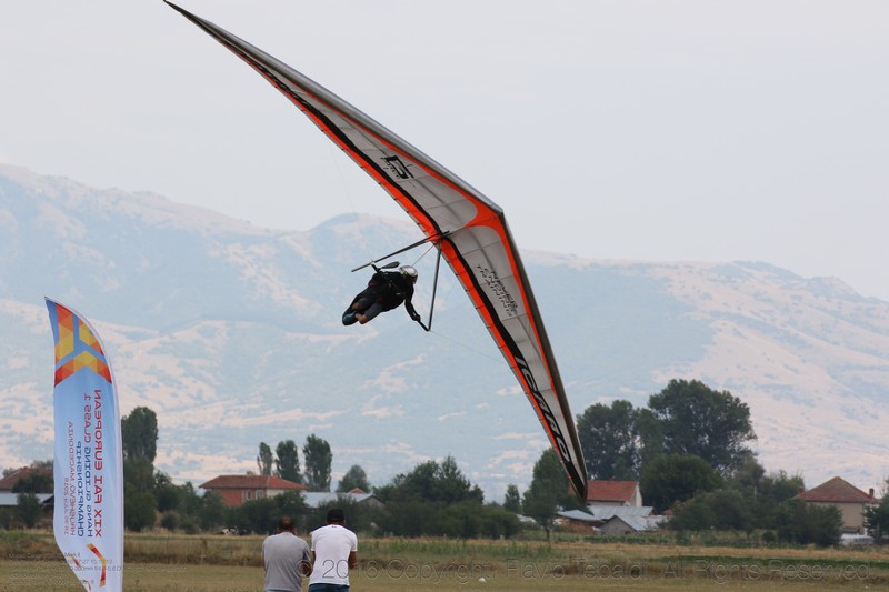 PILOT PROFILE: 60 seconds with hang gliding champion