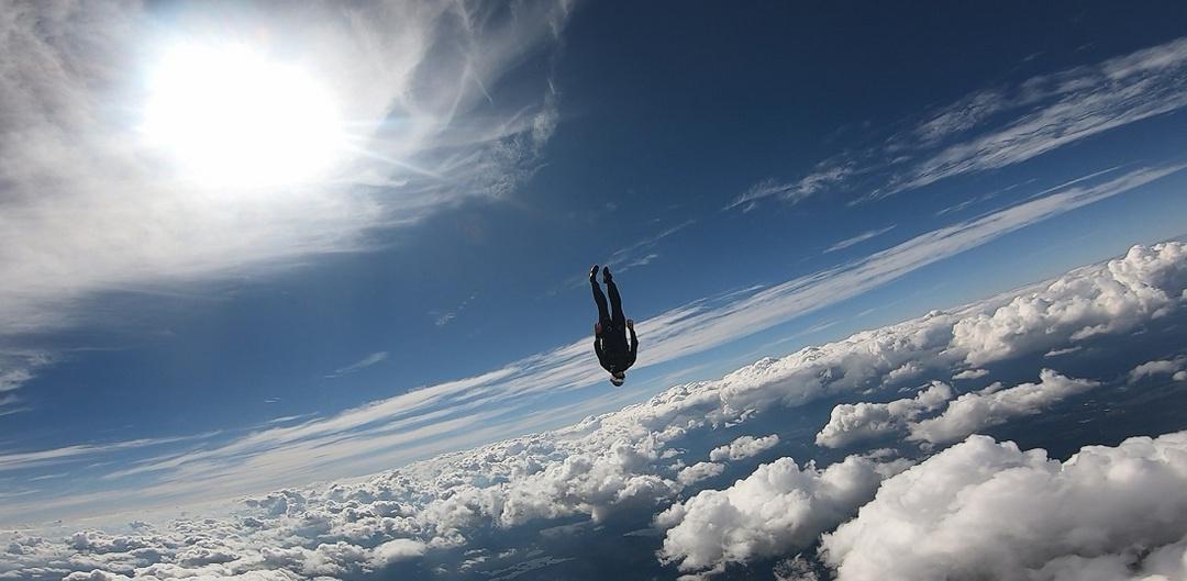 Henrik Raimer speed skydiver